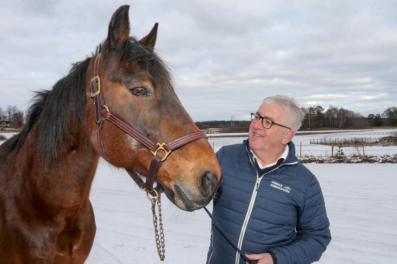 ATGs vinnarambassadör Hans G Lindskog, 72, tycker att han har Sveriges roligaste jobb. Thomas Blomqvist TR Bild.
