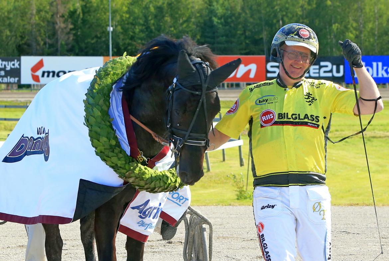 Storfavoriten Brenne Bas vann Svenskt Kallblodskriterium tillsammans med Öystein Tjomsland. Girlpower HB TR Bild.