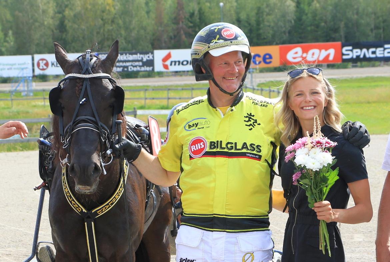 Grisle Odin G.L, Öystein Tjomsland och  Frida Karlsson. Girlpower HB.