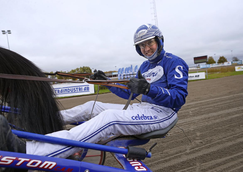 Rikard N Skoglund har Solvalla som hemmabana.