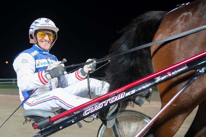 Peter Ingves är i hetluften på lördag och kör i sex av sju avdelningar när V75® körs på Åby.
