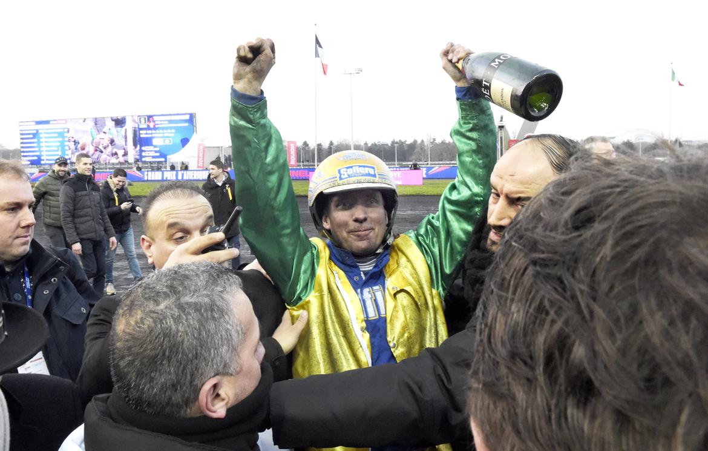 Björn Goop påpassad vinnare i förra årets upplaga av Prix d'Amérique. På söndag kan han vinna igen med franske favoriten Face Time Bourbon.