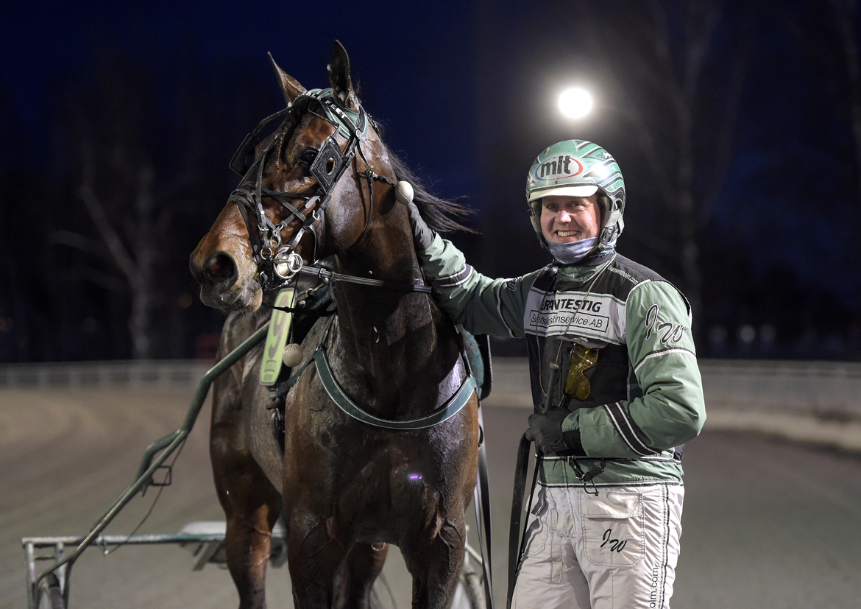 Remarkable Feet är den av Jörgen Westholms hästar som tjänat mest pengar hittills 2021. Lars Jakobsson TR Bild.