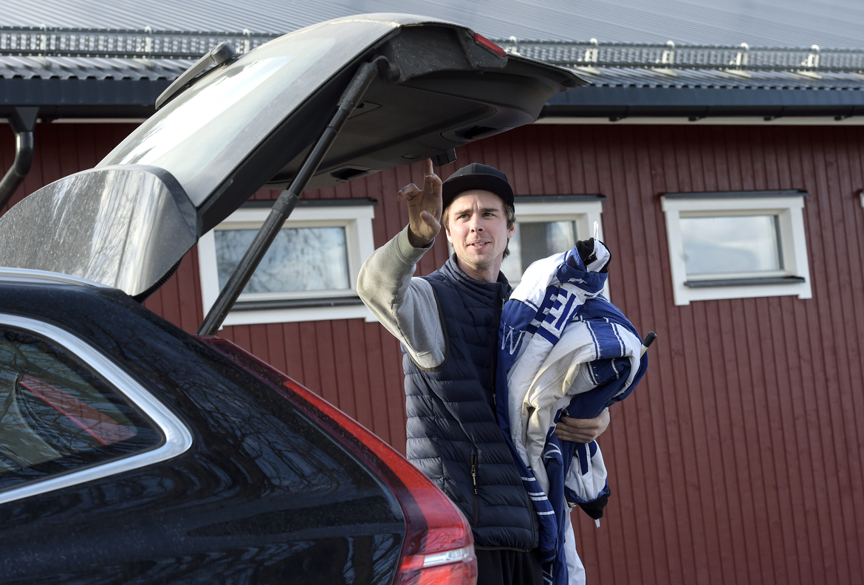 Daniel Wäjersten laddar för nya lopp.